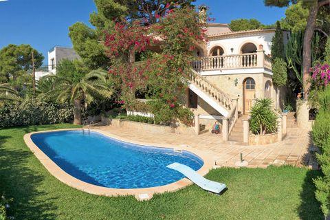 4 bedrooms Villa to rent in Portals Nous