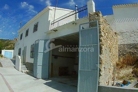 4 habitacions Casa de poble per vendre en Oria