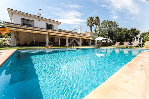 8 bedrooms Villa for sale in Vilanova I La Geltru
