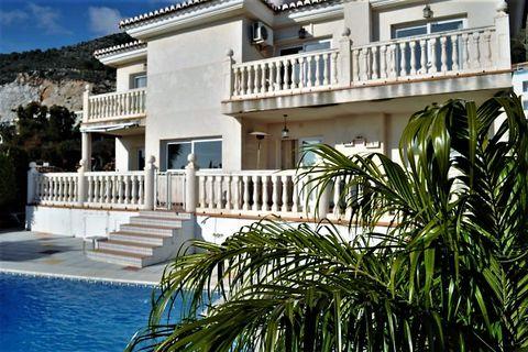 4 bedrooms Villa for sale in Benalmadena