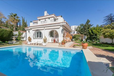5 camere da letto Villa in vendita in Benalmadena