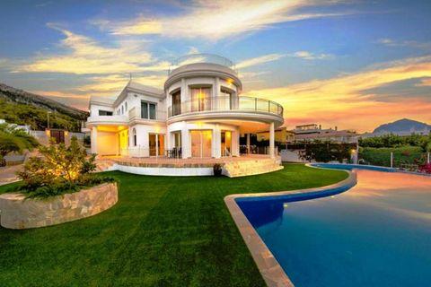 5 slaapkamers Villa te koop in Albir