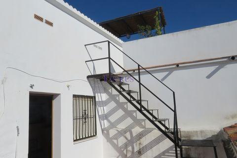 4 Schlafzimmer Stadthaus zum Kaufen in Canillas De Albaida