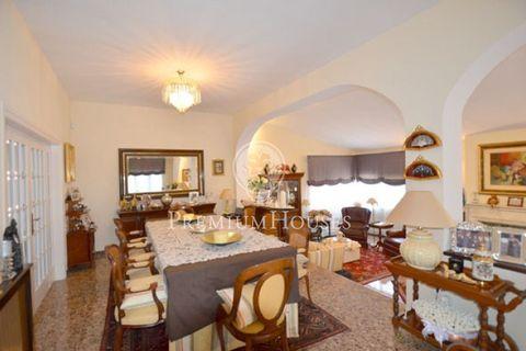5 dormitorios Villa en venta en Tiana