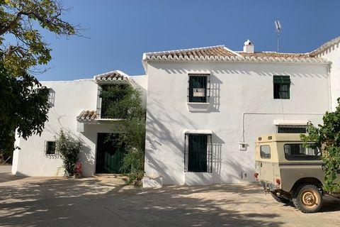 5 makuuhuonetta Maatalo myytävänä Villanueva Del Trabuco