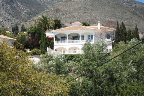 5 sovrum Villa till salu i Benalmadena Pueblo